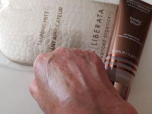 Vita Liberata Body Blur Instant Skin Finish Latte Light (3)