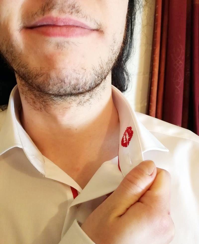 Lipstick on Your Collar- Cadeautip voor Valentijnsdag 12 hemd voor hem Lipstick on Your Collar- Cadeautip voor Valentijnsdag